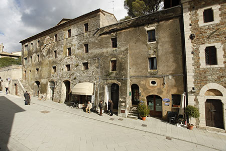 feast of taste in the village of san casciano dei bagni the typical local pancakes go on stage to the delight of young and old